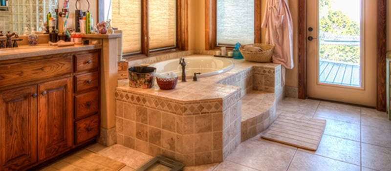 Master Bathtub, Master Suite